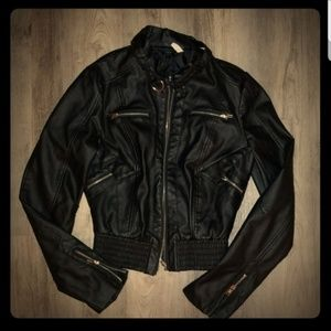 🎁4/ $20🎁 Vegan leather jacket
